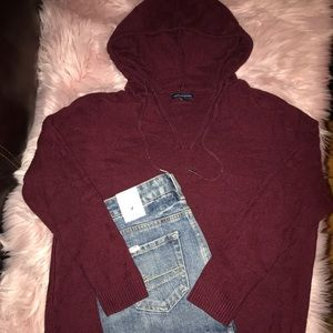 American Eagle Maroon Hooded Sweater Size M